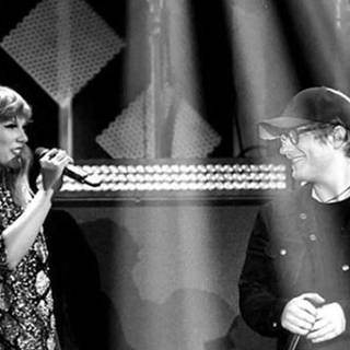 Taylor Swift & Ed Sheeran on stage (Foto: DASDING)
