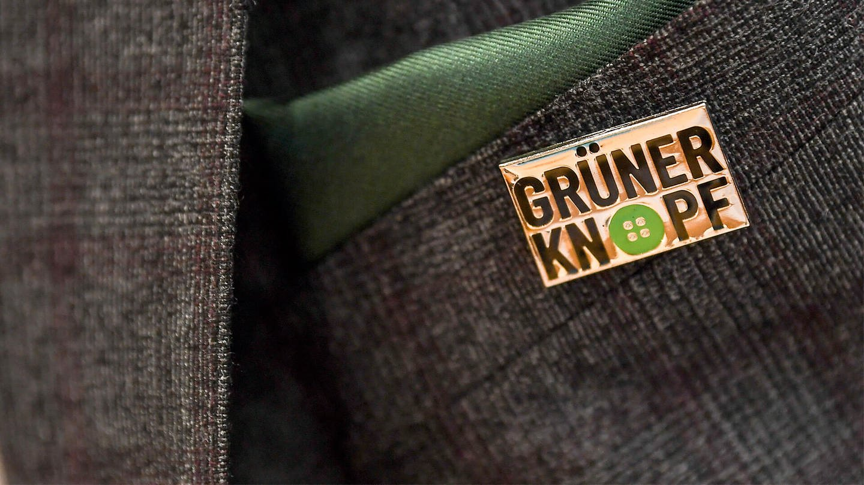 Grüner Knopf (Foto: dpa Bildfunk, Britta Pedersen)