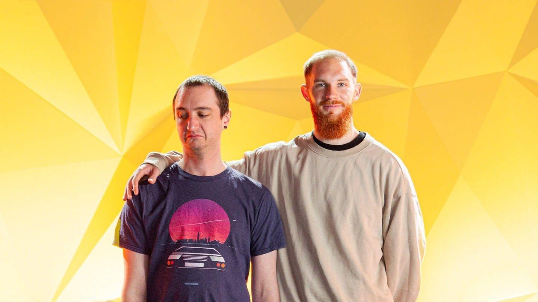Awkward-Cover ohne ARD Ecke beide Hosts David Beck links Pascal Siggelkow rechts